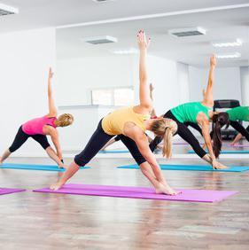 """Résultat de recherche d'images pour """"photo yoga adulte"""""""
